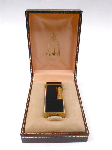 Vintage,Dunhill,Cigarette,Lighter,Black,Lacquer,Cigar,Gloss,Gold,Plated,Mens,Rollagas,vintage dunhill cigarette lighter, dunhill rollagas lighter, black lacquer lighter, vintage dunhill lighter, vintage gold plated dunhill lighter, vintage rollagas lighter, vintage black cigarette lighter, vintage mens lighter, vintage gold plated lighter