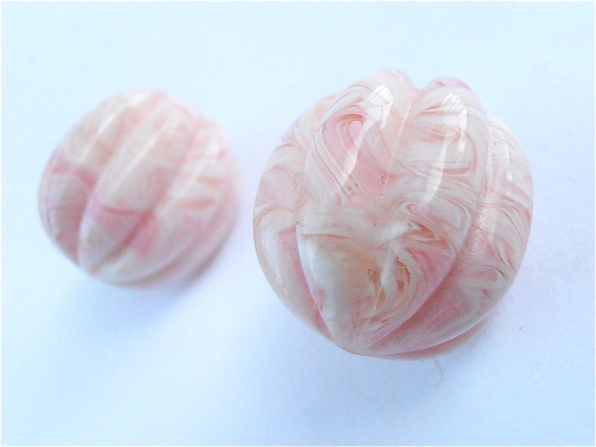 Vintage Baby Pink Earrings Seashell White Dome Swirl Sherbet Marble Shiny Plastic Clip Ons Retro 80s Light Gold Tone Spring Summer Jewelry - product images  of