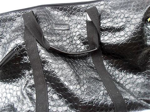 Vintage,Faux,Crocodile,Bag,Leather,Black,Lancome,Mock,Croc,Weekender,Tote,Oversized,Travel,vintage faux croc large tote bag, faux crocodile bag, faux leather black bag, mock croc bag, black weekender tote, oversized travel bag, vintage black faux alligator bag, villacollezione, vintage black lancome oversized bag, vintage black carry on bag