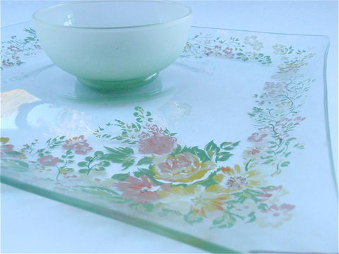 Vintage,Floral,Chip,Dip,Glass,Square,Serving,Tray,Bowl,Mauve,Yellow,Green,Flowers,Appetizer,Relish,Dish,Nut,Candy,Platter,Veggie,Salsa,Plate,vintage_floral_dip,chip_dip_tray_bowl,flower_glass_plate,square_serving_tray,mauve_yellow_green,flower_appetizer,appetizer_dish,vintage_salsa_plate,green_platter,nut_candy_veggie,frosted_green_bowl,appetizer_plate,pink_floral_plate