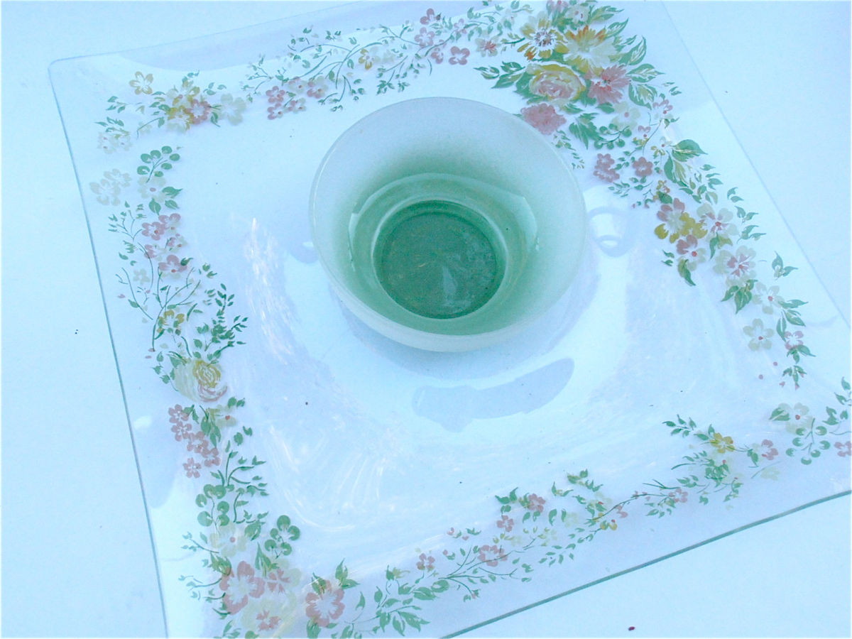 Vintage Floral Chip Dip Glass Square Serving Tray Bowl Mauve Yellow Green Flowers Appetizer Relish Dish Nut Candy Platter Veggie Salsa Plate - product images  of