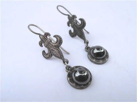 Vintage,Hematite,Earrings,Dangling,Fleur,De,Lis,Lily,Silver,Jewelry,vintage_hematite,hematite_earrings,hematite_dangling,dangling_earrings,vintage_fleur_de_lis,fleur_de_lis_earring,vintage_lily_earring,vintage_silver,silver_earrings,villa_collezione,art_deco_earrings,french_lily_earrings,etsy_fleu