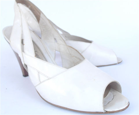 Vintage,White,Shoes,Italian,Sling,Back,Vtg,Peep,Toe,High,Heels,Strap,Ladies,Size,8,Accessories,vintage_white_italia,white_italian_shoes,vintage_white_sling,white_sling_back,vintage_white_peep,white_peep_toe_shoes,vintage_white_high,white_high_heels,white_strappy_shoes,shoe_ladies_size_8,etsy_vintage_white,vintage_white_san
