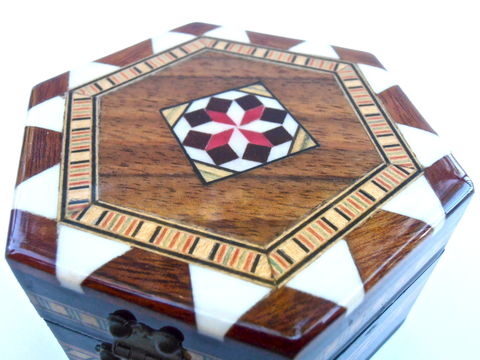 Vintage,Spanish,Wooden,Box,Inlaid,Marquetry,Inlay,Wood,Hexagon,Taracea,Red,Brown,Case,Moorish,Mosaic,Quilt,Pattern,Black,Lacquer,Storage,vintage spanish wooden box, vintage hexagon wooden glaze box, vintage inlaid red brown wood box, vintage spanish marquetry box, vintage mosaic quilt pattern box, vintage black lacquer box, black lacquer storage, vintage moorish mosaic box
