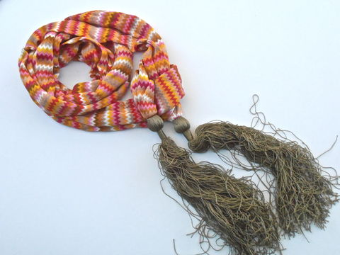 Vintage,Mini,Chevon,Scarf,Olive,Green,Tassel,Echo,Orange,Designer,Red,Pink,Brown,Gold,Tiny,Design,Pattern,Rick,Rack,Villacollezione,vintage multicolored mini chevron scarf, vintage tiny chevron multicolored scarf, vintage olive green tassels, vintage echo chevron scarf, red brown gold scarf, vintage olive green scarf, rick rack pattern, orange red scarf, vintage gold brown scarf