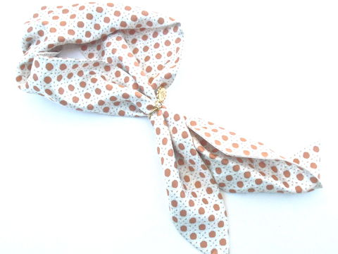 Vintage,Caramel,Ivory,Short,Scarf,Lulu,Guinness,Small,Neckerchief,Geometric,Trellis,Pattern,Gold,Tone,Charm,Designer,Silk,Dark,Orange,Salmon,vintage caramel ivory short scarf, vintage lulu guinness silk scarf, vintage lulu guinness silk neckerchief, vintage designer silk neckerchief, vintage caramel ivory silk scarf, salmon dark orange scarf, trellis pattern, vintage lg gold tone charm