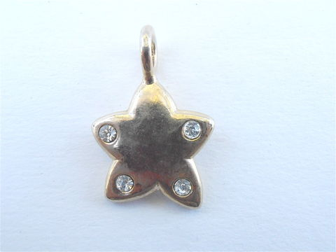 Vintage,14K,Gold,Shield,Star,Pendant,Shining,Dangling,Charm,Crystals,Shiny,Jewelry,Accessory,Necklace,Bracelet,Protection,Villacollezione,vintage 14k gold shield star pendant charm, vintage 14k gold star pendant, vintage 14k gold star charm, shining star charm, shining star pendant, vintage crystal star, vintage 14k gold shield protection jewelry, twinkling star necklace bracelet