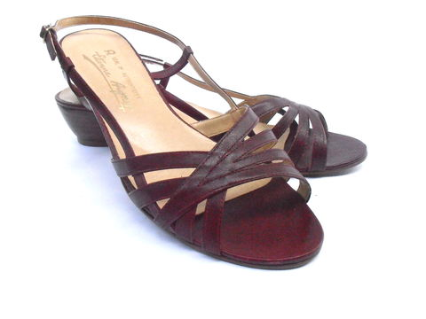 Vintage,Strappy,Burgundy,Maroon,Oxblood,Sandals,Etienne,Aigner,Designer,Ladies,Womens,Shoes,US,Size,9M,Low,Wooden,Stacked,Heels,Wedge,EU,40,vintage etienne aigner maroon ladies shoes, vintage strappy burgundy ladies shoes, vintage maroon strappy wooden wedge sandals, vintage burgundy ladies shoe size 9m, intage oxblood leather strap womens shoes, vintage burgundy womens eu size 40