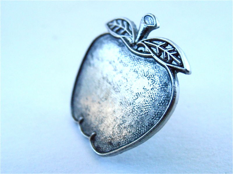 "Vintage Apple Silver Tone Pin Pewter Like Color Fruit Gray Grey Metal Kawaii Cute Metal 1"" Inch Textured Fashion Accessory Villacollezione - product images  of"