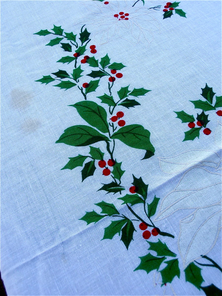 "Vintage Red White Christmas Tablecloth Poinsettias Flowers White Cotton Fabric Oval Table Linen Red Berries Holly Xmas Cloth 81"" x 60"" - product images  of"