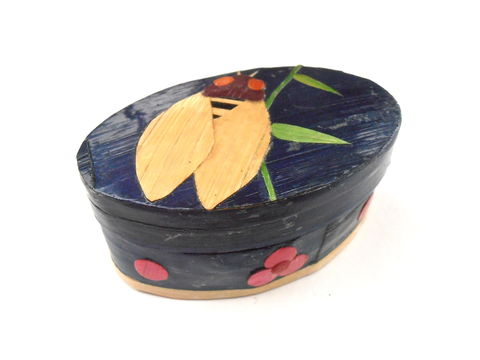 Vintage,Indigo,Oval,Bee,Tiny,Box,Small,Painted,Bamboo,Wood,Fuchsia,Flowers,Mini,Miniature,Case,Jewelry,Keepsake,Navy,Blue,Midnight,Trinket,vintage indigo bee oval box, vintage dark blue  paint bamboo box, vintage midnight blue jewelry keepsake box, vintage navy blue trinket jewelry case, vintage tiny oval blue box, vintage fuchsia flower petal box, vintage pink flower box