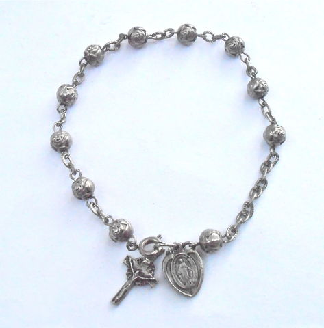 Vintage,Catholic,Rosary,Bead,Bracelet,Silver,Tone,Prayer,Miraculous,Medal,Holy,Religious,Object,Artifact,Crucifix,Cross,Virgin,Mary,8,Inch,vintage catholic rosary bead bracelet, vintage silver tone 8 inch bracelet, vintage miraculous medal rosary, vintage crucifix holy religious object artifact, vintage immaculate conception virgin mary medal, vintage etched silver metal flower bud bead