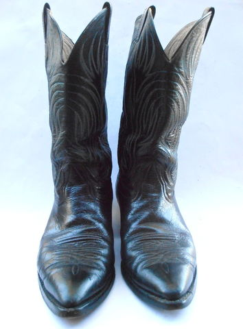 Vintage,Black,Leather,Mens,Boots,Nocona,Cowboy,U.S.,Size,10D,Western,Southwestern,White,Double,Stitching,Light,Blue,Pointed,Toes,Wing,Flames,vintage nocona black leather mens cowboy boots, texas mens leather black boots size 10d, nocona blue white double stitching leather boots, mens shoe size 10d, cowboy pointed toe black western boots, double stitching wings boots, flame design boots