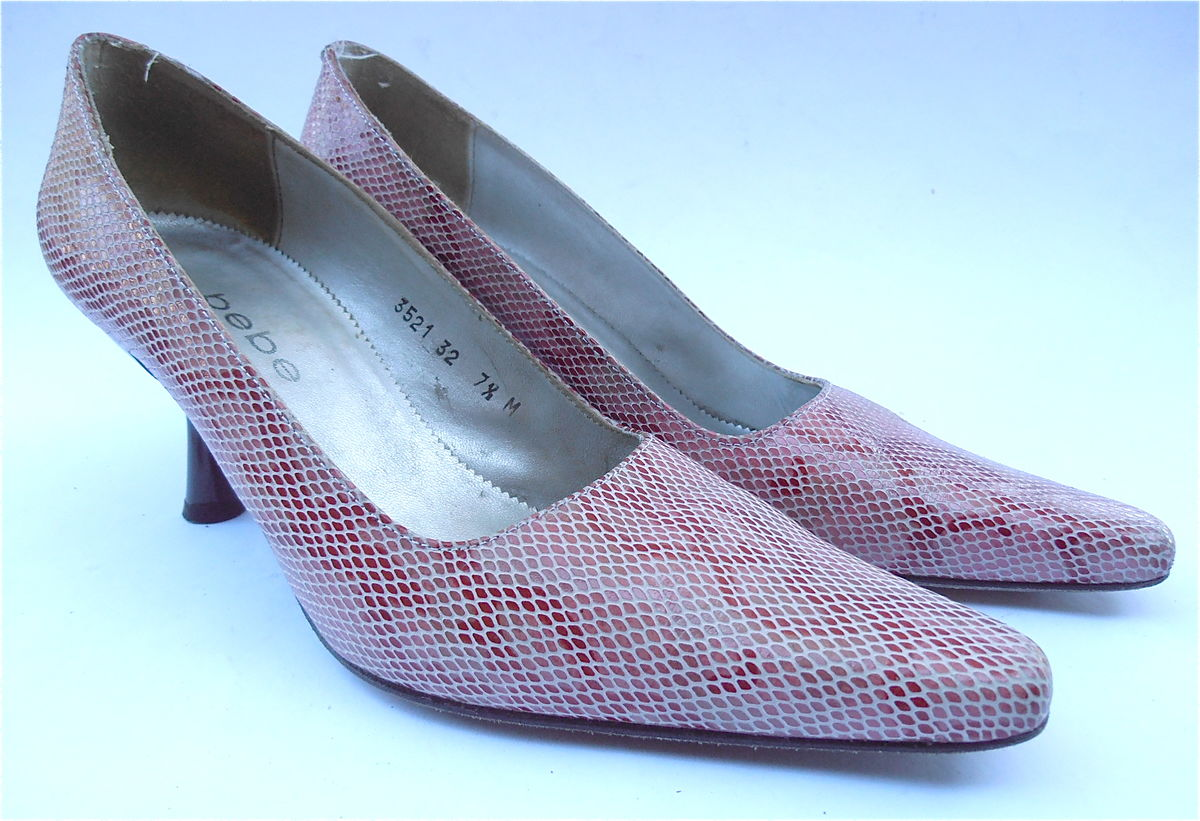 Vintage Red White Snakeskin Ladies Pumps Shoes Bebe Designer Womens Size 7.5 Flared Heels Pointed Toes Size Villacollezione Villa Collezione - product images  of