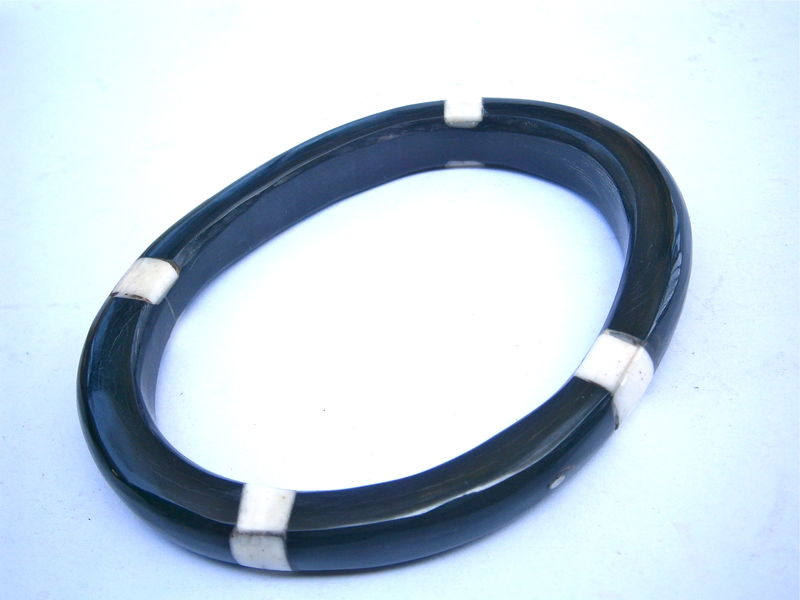 "Vintage White Black Horn Bangle Mother Of Pearl Inlay MOP Inlaid Water Buffalo Carabao Bracelet Asymmetrical 9mm Thick 7"" Inch Circumference - product images  of"