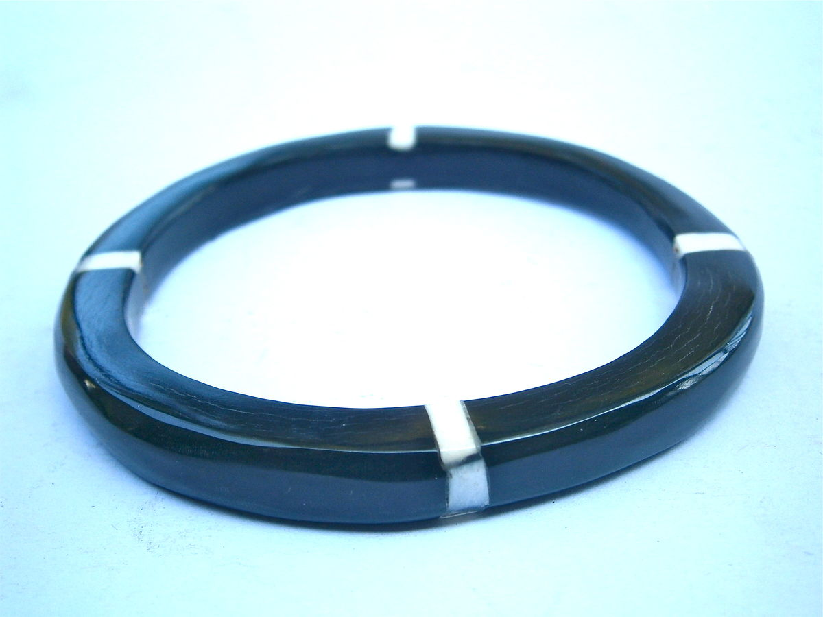 "Vintage Buffalo Black Horn Bangle Water Tribal White Mother Of Pearl Inlay Bracelet MOP Inlaid Carabao 8mm Thick 7"" Inch Circumference Stack - product images  of"