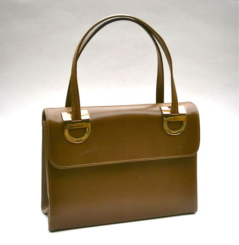 Vintage,Brown,Leather,Handbag,Block,Double,Top,Handle,Expandable,Gold,Trim,Gilt,Mid,Century,Retro,Hard,Sided,Structured,Props,Minimalist,Tan,vintage block brown leather top handle handbag, vintage retro brown leather hard side purse, mid century block brown hard case bag, vintage double top handle purse, vintage expandable brown leather handbag, gold trim gilt bag, vintage mid century prop bag