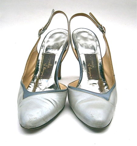 Vintage,Gray,Ladies,Shoes,High,Heels,Pumps,Slingback,Women,Size,5,Amalfi,Rangoni,Two,Tone,Italian,All,Leather,Designer,Iconic,Made,In,Italy,vintage gray amalfi rangoni ladies shoes size 5, vintage italian gray high heel pumps, vintage gray slingbacks womens shoe size 5, italian gray ladies pumps, leather two tone gray all leather shoe, small ladies feet, small womens shoes, gray designer shoe