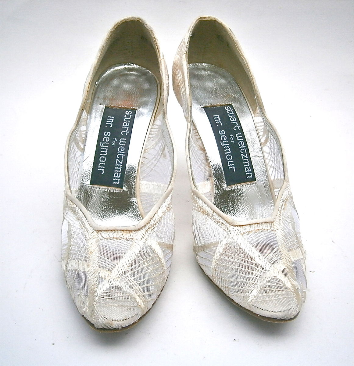 0ca58fe9195e ... Vintage Ivory Ladies Shoes Size 4.5B Satin White Pumps High Heels  Stuart Weitzman Embroidery Mesh ...