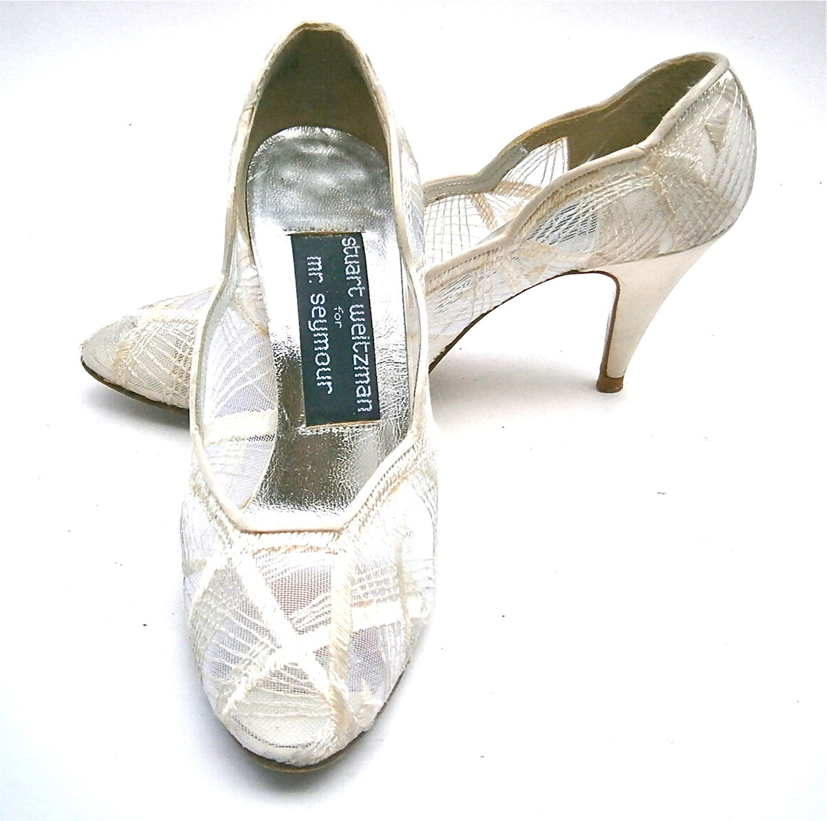 ... Vintage Ivory Ladies Shoes Size 4.5B Satin White Pumps High Heels  Stuart Weitzman Embroidery Mesh ... e9b9af34e168