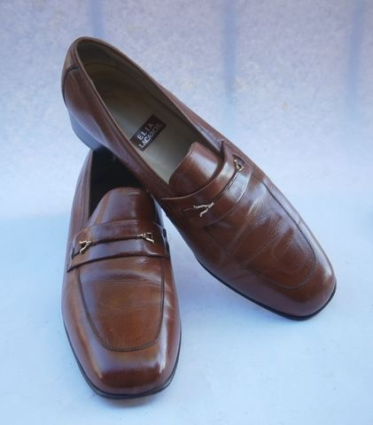 Vintage,Brown,Ladies,Loafers,Shoes,Womens,Dark,Tan,Leather,Medium,Heels,Elia,Lacarcel,Size,40,Made,CEE,European,Gold,Tone,Buckle,Horseshoe,Preppy,Casual,vintage dark brown loafers leather ladies size 9.5, cognac leather flat shoes womens, dark tan womens loafers flat shoes size 95, loafer buckle leather flat ladies shoes, elia lacarcel womens shoes size 95