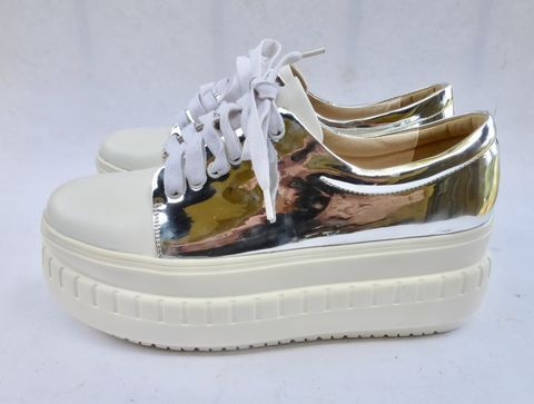 Cool,Off,White,&,Shiny,Silver,Platform,Sneakers,Ladies,Women,Shoes,Size,8,Narrow,Ivory,Rubber,metallic silver platform sneakers ladies size 8, off white rubber platform sneakers size 85, white silver lace up oxford platform sneakers, shiny silver shoes size 8, white wedding platform sneakers