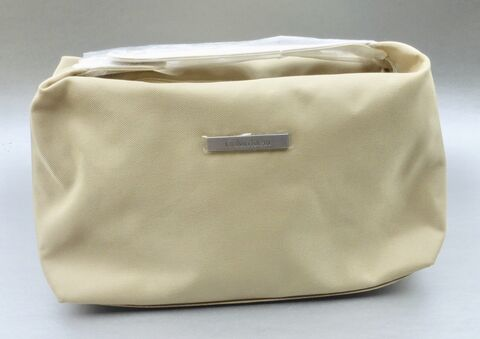 Calvin,Klein,Bag,Toiletries,Travel,Pouch,Makeup,Cosmetic,Light,Vanilla,Rare,Soft,Sided,Purse,vanilla calvin klein makeup bag, tan ck clavin klein cosmetic bag, calvin klein gift promotion, calvin klein designer pouch bag, ecru calvin klein clutch purse, authentic calvin klein designer bag, original calvin klein gift bag, toiletries sundries bag a