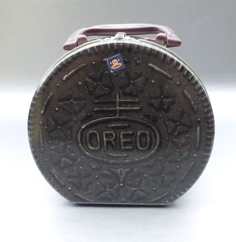 Oreo,Metal,Tin,Lunch,Box,Cookie,Sandwich,Round,Snack,Bag,Purse,Tote,Case,Container,Storage,Memento,Collectible,Collection,oreo cookie lunch box, oreo tin lunch box, oreo lunch pail, brown oreo cookie, oreo metal lunch pail box, oreo container, oreo metal case, oreo storage, oreo organizer, oreo decorative tin box