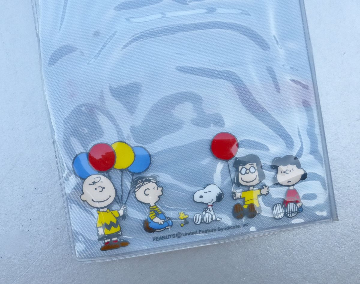 Snoopy Friends Picture Credit Card Holder Vinyl Peanuts Plastic Photographs ID Translucent Shiny Sleeves Organizer Pocket Book Wallet Purse  - product images  of
