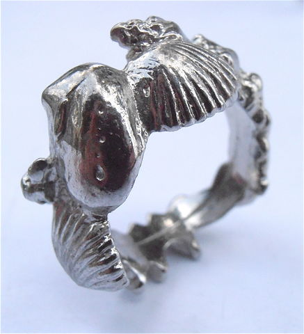 Vintage,Seashell,Silver,Tone,Ring,Band,Conch,Marine,Creatures,Size,7.5,Ladies,Mens,Unisex,Jewelry,Clam,Shell,seashell silver tone band ring size 75, silver clam ring band, silver conch seashell ring size 75, unisex seashell silver ring, marine creatures silver ring, seashell mens ring, clam silver ring ladies womens