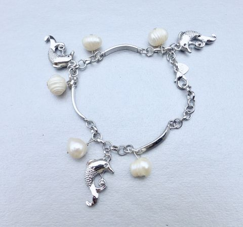 Genuine,White,South,Sea,Pearls,Bracelet,7.50,Inch,Dolphins,Charm,925,Silver,Dangling,Brand,New,9mm,10mm,11mm,Authentic,Heart,south sea pearl charm 925 silver bracelet, silver dolphin dangling charm bracelet, genuine white south sea pearls, authentic white south sea pearls, white south sea pearls bracelet, jumping dolphin charms, heart charm bracelet, 9mm south sea pearls, 10mm