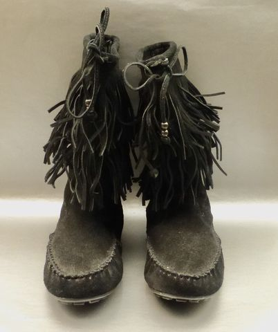 Minnetonka,Fringed,Black,Suede,Moccasin,Booties,Mid,Calf,Boots,Flats,Women,Shoes,Two,Layers,Tiered,Strap,Ties,Slip,On,Pull,Up,Size,10,Ladies,Circa,2000,minnetonka fringe black suede leather moccasins booties size 10, black suede calf moccasin boots, black fringe moccasin shoes women size 10, black suede  moccasin booties ladies size 10 shoes, minnetonka  black suede moccasin ladies boots, powwow indian b