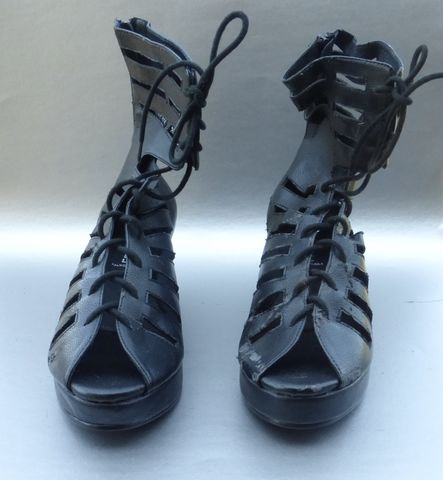 Jeffrey,Campbell,Asti,Black,Platforms,Shoes,Boots,Wedge,Lace,Up,Cut,Outs,Perforated,Zipper,Size,9,Slits,Slats,Above,Ankles,Villa,Collezione,Villacollezione,jeffrey campbell black high platform shoes, jeffrey campbell asti  ladies shoes size 9, jeffrey campbell lace up designer shoes, campbell wedge black shoes, jeffrey campbell black strap ankle boots size 10, genuine black ankle strap shoes, campbell perfor