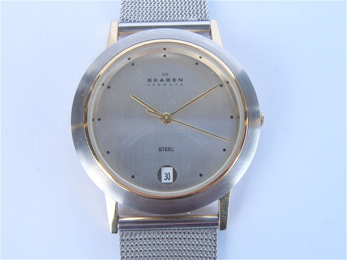 Skagen Stainless Steel Mesh Round Face Silver Watch Gold Bezel Mens Womens Pre Owned Unisex Style - product images  of