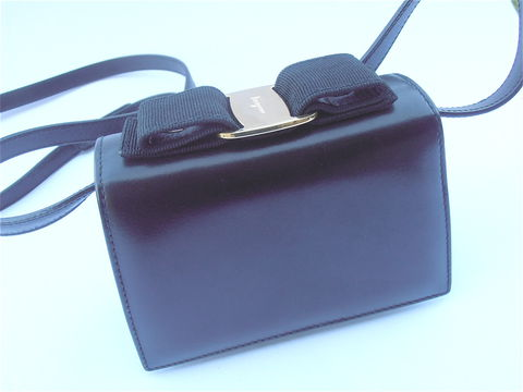 Black,Vintage,90s,Ferragamo,Bag,Vara,Buckle,Grosgrain,Clutch,Purse,Designer,vintage ferragamo black leather shoulder bag, ferragamo vara buckle, black designer bag, gold buckle, villa collezione, black ferragamo bag, ferragamo clutch purse, leather black bag, black leather clutch, black leather bag, ooak
