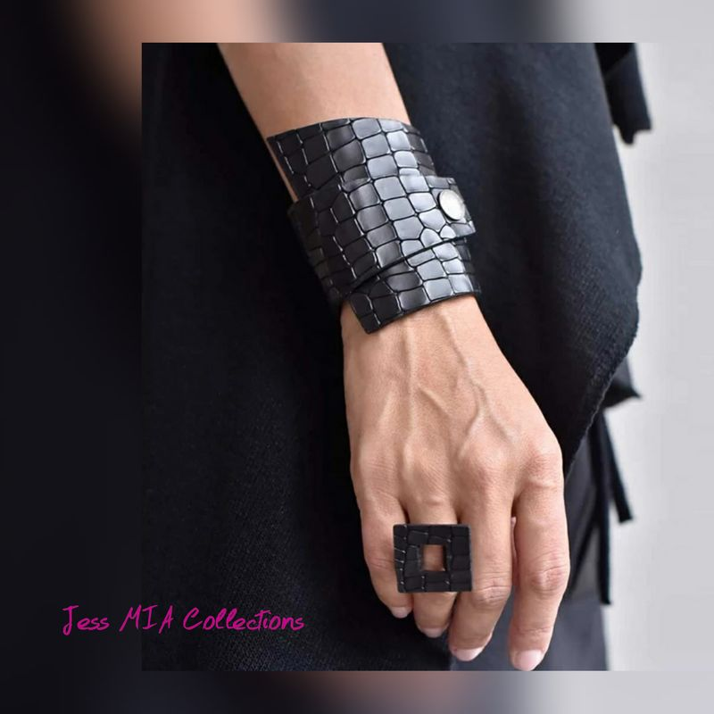 The Ciara Ring & Bracelet Set - product image