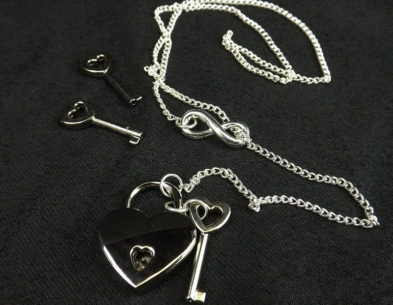 Lock and Key Infinity Necklace bdsm