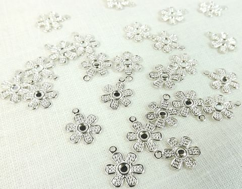 12mm,flower,charms,25,pieces,Jewelry,supply,silver,drop,daisy charm, silver flower charm, 12mm daisy charm, silver flower drop
