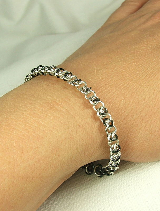 Chain maille Bracelet Black and Silver Color Tiny Delicate Jewelry Handmade Chain - product images  of