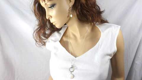 White,and,Silver,Jewelry,Set,Long,chain,with,white,glass,pendant,matching,earrings,white glass jewelry, white and silver jewelry set, long chain with white glass pendant, long necklace with matching earrings, gift jewelry set