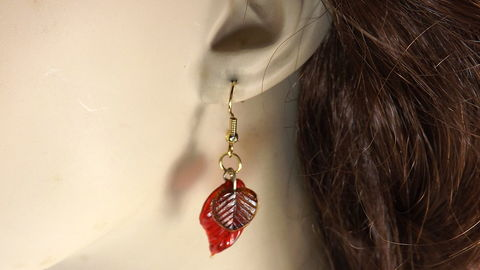 Autumn,leaves,earrings,fall,themed,jewelry,red,glass,red glass earrings, gold and red earrings, fall themed jewelry, autumn earrings, colorful earrings, autumn colors jewelry