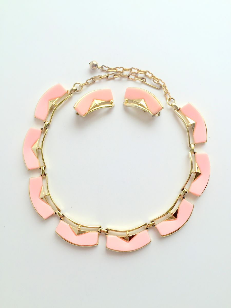 Vintage Lucite Necklace and Earrings Set in Pink - product image