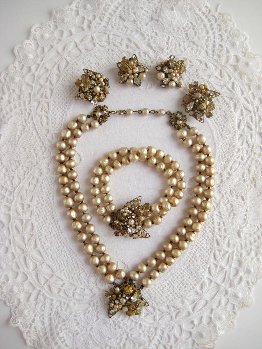 DeMario pink 3 piece jewelry set