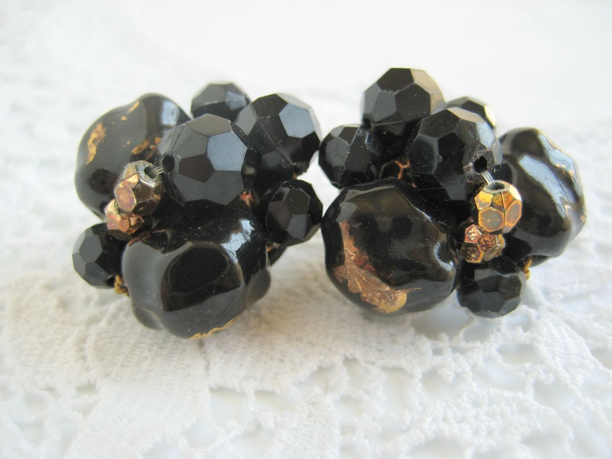 Black and Gold Cluster earrings - product image