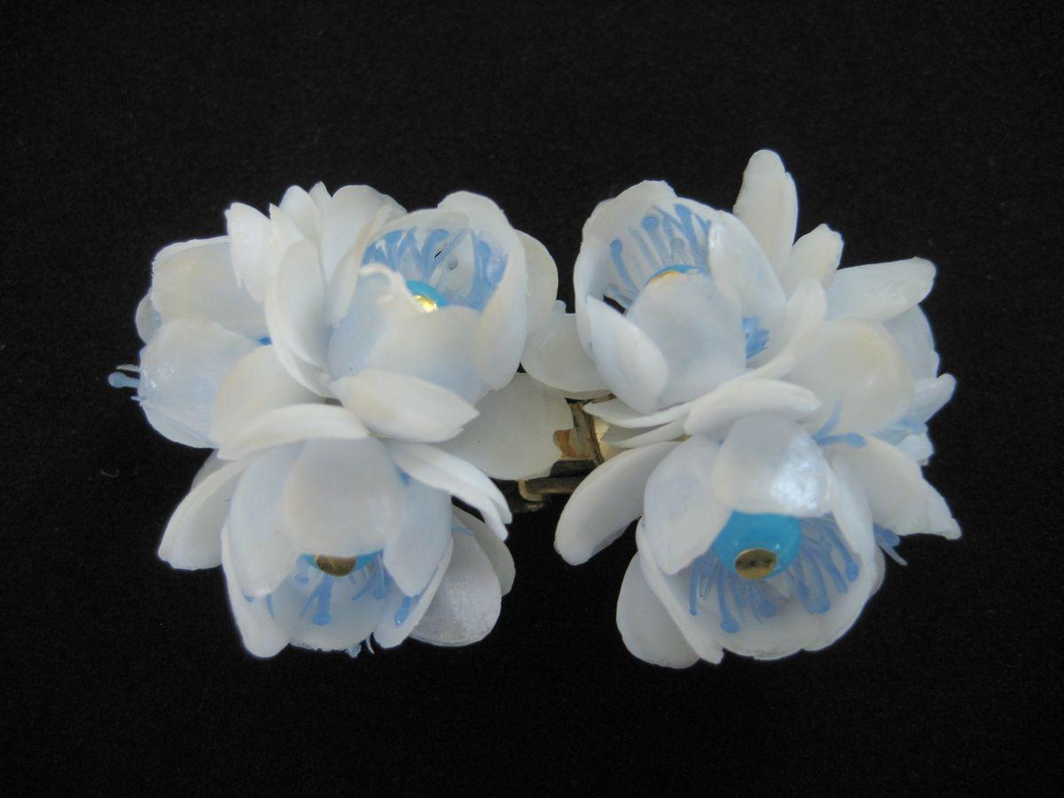 Vintage Plastic Flower Earrings 1950s Vintage Renude