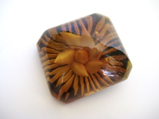 Vintage Bakelite Brooch Reverse Carved Apple Juice Prystal - product image