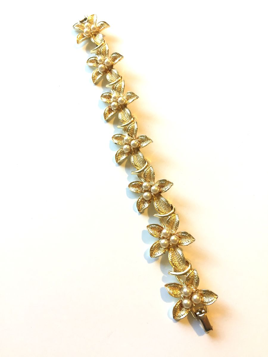 Coro gold tone bracelet flowers and pearls - product images  of