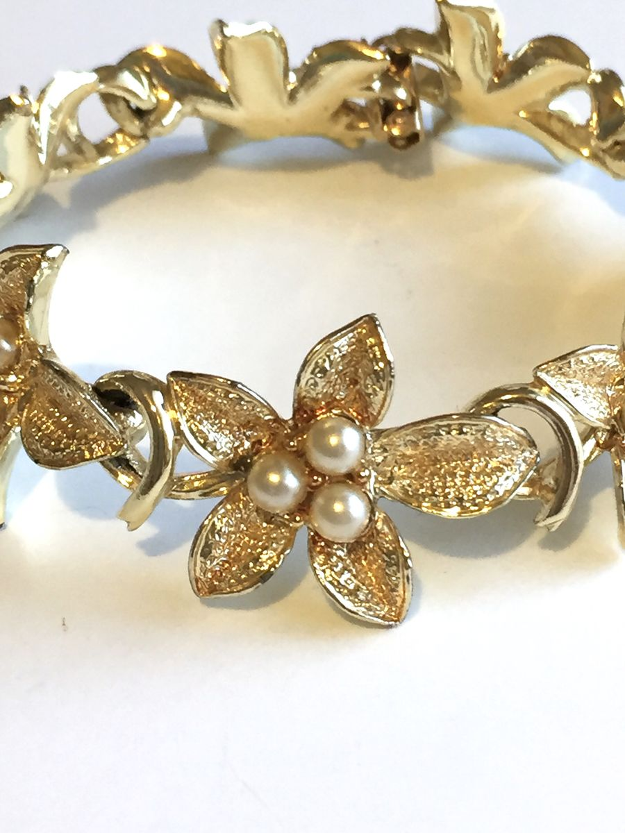 Coro gold tone bracelet flowers and pearls - product image