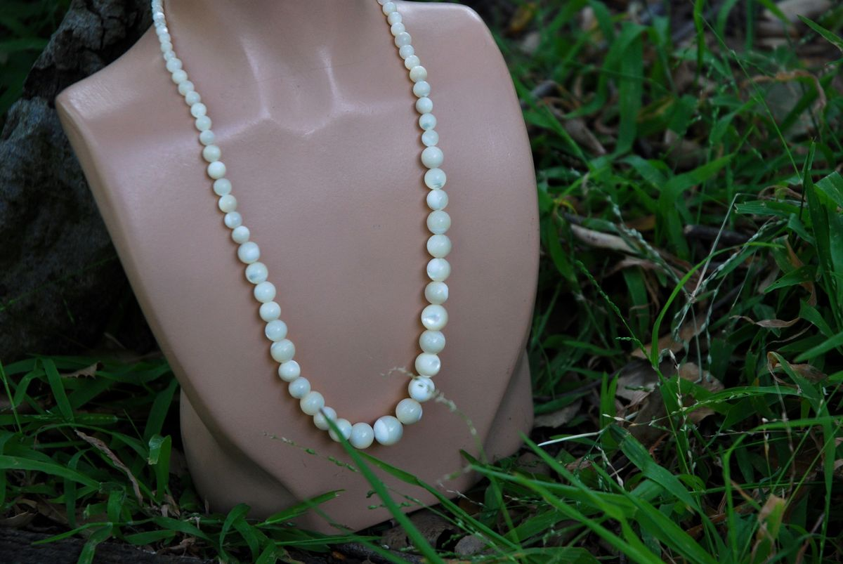 Mother of Pearl Graduated Bead necklace - product image