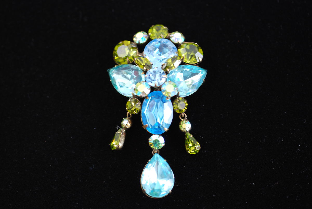 Stunning Regency large blue and green rhinestone brooch with drop - product image
